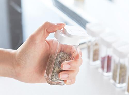 design-seasoning-container3