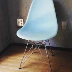 hermanmiller-eames-shell-chair