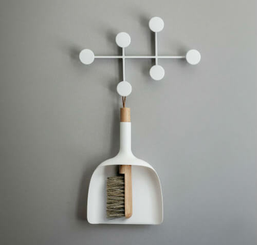 design-broom-dustpan-set