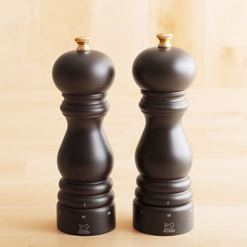 design-salt-and-pepper-shakers10