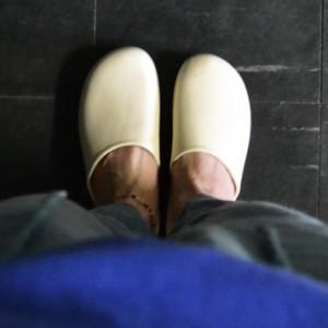 freddy-leck-balcony-sandals