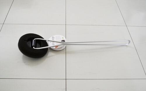 シンプルなデザインのtidyのバスタブ掃除用スポンジ「BathSponge」