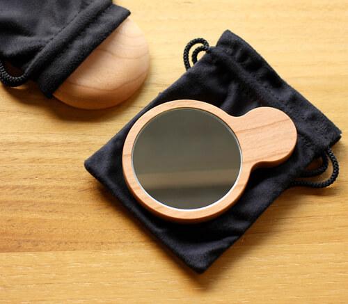 design-hand-compact-mirror2