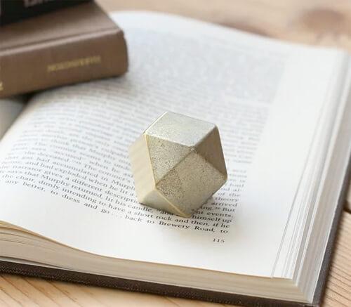 design-paper-weight3