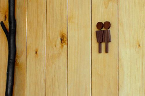 おしゃれなデザインのトイレサイン5選。かわいい木製もおすすめ