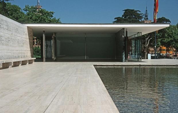近代建築の巨匠ミース・ファン・デル・ローエが設計した建築物9選