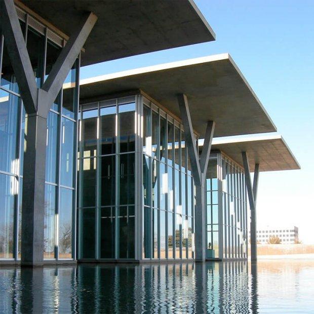建築家の安藤忠雄が設計した美術館12選。地中美術館やフォートワース現代美術館など