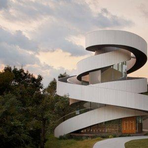 中村拓志&NAP建築設計事務所の建築作品10選。代表作の広島のリボンチャペルなど