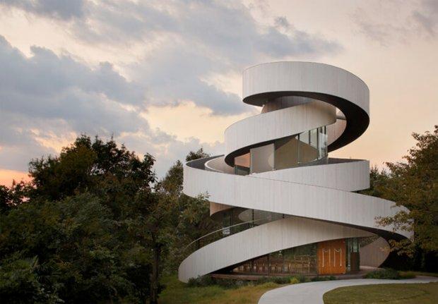 中村拓志&NAP建築設計事務所の建築作品11選。代表作の広島のリボンチャペルなど