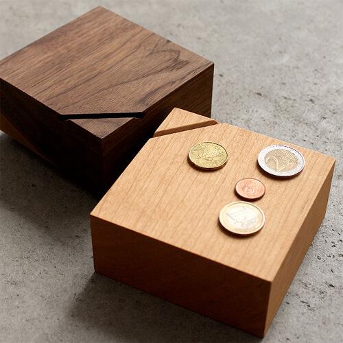貯金箱のサイズや容量
