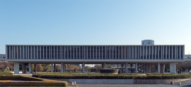 建築家の丹下健三の建築代表作品12選。教会から都庁まで