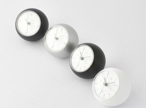 おしゃれな置き時計15選。インテリアにもなる北欧デザインもおすすめ