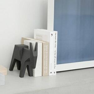おしゃれなデザインのブックエンド12選。かわいい木製のブックスタンドもおすすめ