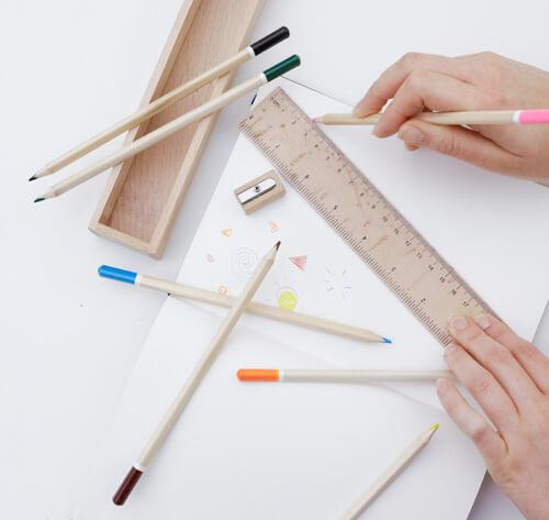 色鉛筆のデザイン