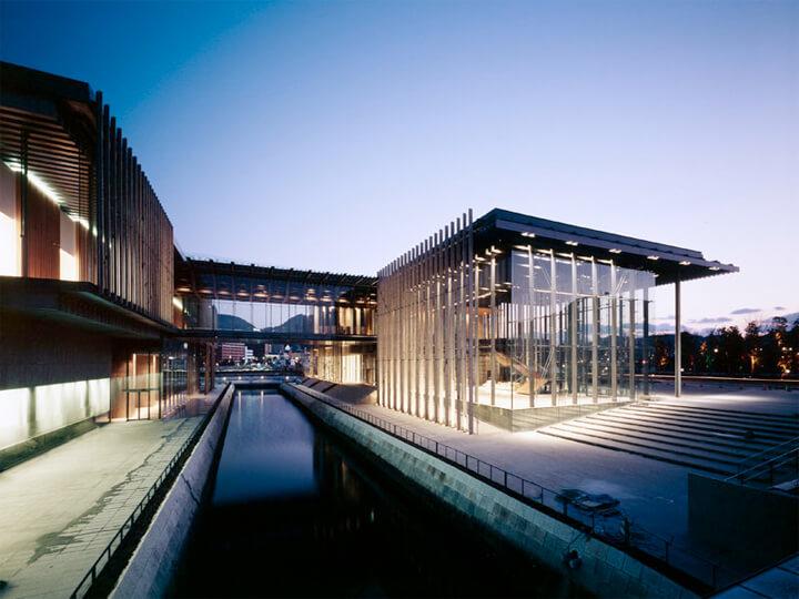 famous-architecture-art-museum13