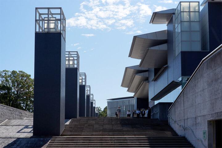 famous-architecture-art-museum15