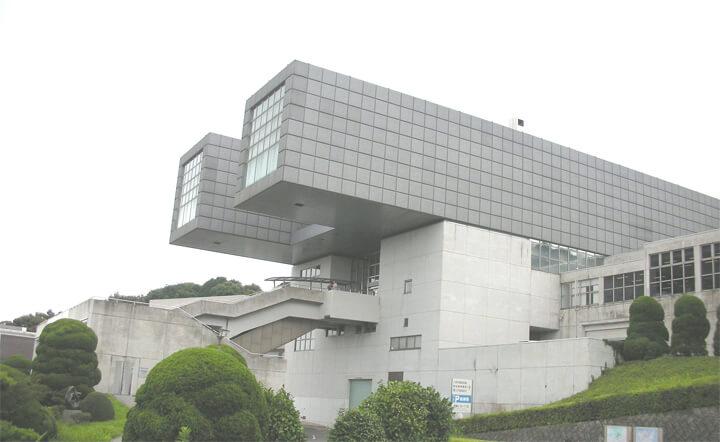 famous-architecture-art-museum19