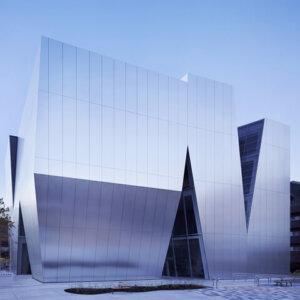 建築家の妹島和世の建築作品6選。話題のシーバーズカフェやすみだ北斎美術館など