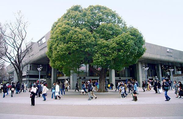 建築家の前川國男の建築作品15選。代表作の東京文化会館や自邸など