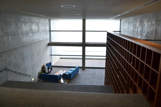 淡路島の高低差のある高台に建てられた安藤忠雄設計の絶景ホテル「TOTOシーウィンド淡路」