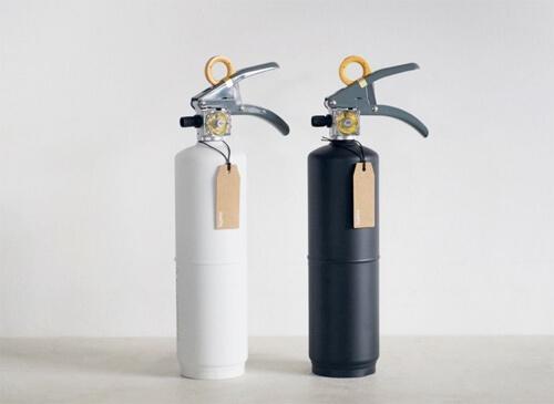 おしゃれなデザインの消火器6選。白い消火器やかわいい消火器カバーもおすすめ
