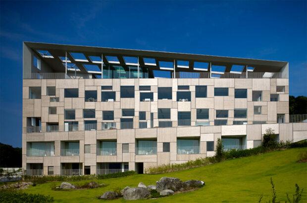 建築家の隈研吾が設計したホテル10選。高知や熱海、北海道、押上など