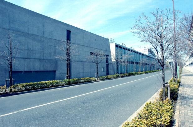 東京にある建築家の安藤忠雄の建築作品8選。美術館や駅舎、教会まで