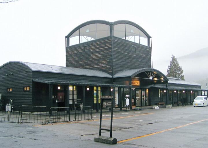 famous-architecture-station-building8