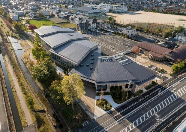 建築家の隈研吾が設計した図書館4選。高知の梼原や富山、滋賀など