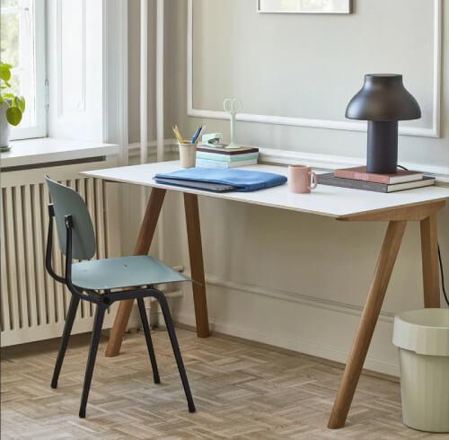 おしゃれなデスク15選。北欧デザインや木製のかわいいコンパクトデスクもおすすめ