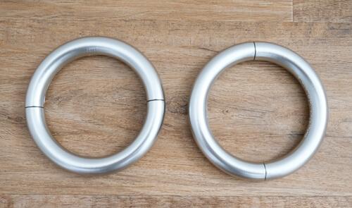 umbra-halo-floating-magnetic-tie-back2