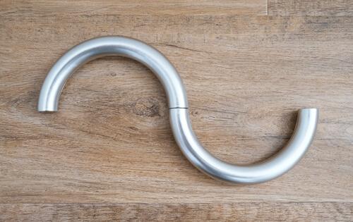 umbra-halo-floating-magnetic-tie-back3